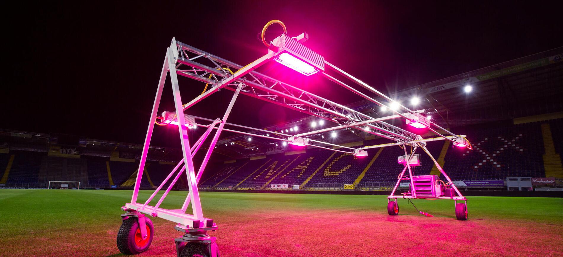 Oreon investigates LED light recipe stadium grass NAC Breda
